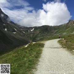 Auf Schotter Richtung Schafbergsee